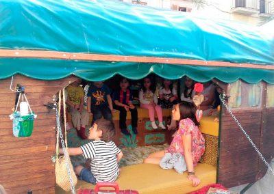 Nens carro de contes