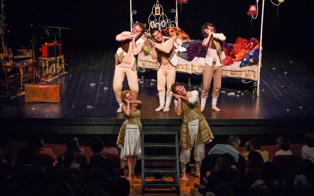 """""""L'Endrapasomnis"""" Teatre al Detall i música de la Tresca i la Verdesca al Teatre Principal a la 6a Fira Conte va! va de contes"""