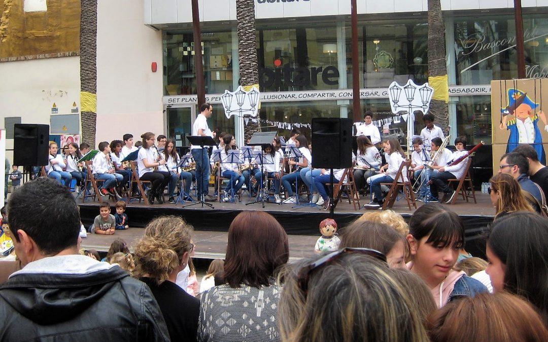 """""""SYRIËLLE"""" a la Marató de contes, narració de Susanna Garcia-Prieto i música amb la Banda Infantil Mestre Montserrat"""